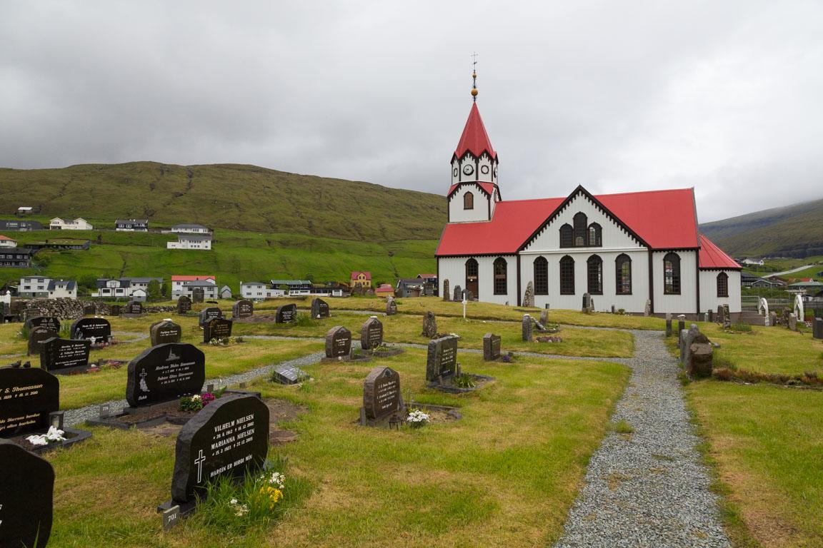 Sandavágurs kyrka