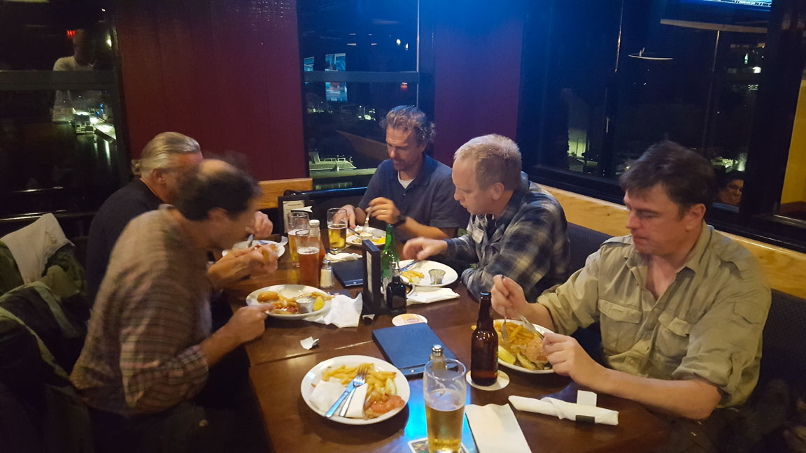 Kvällsmat på Breakers Pub