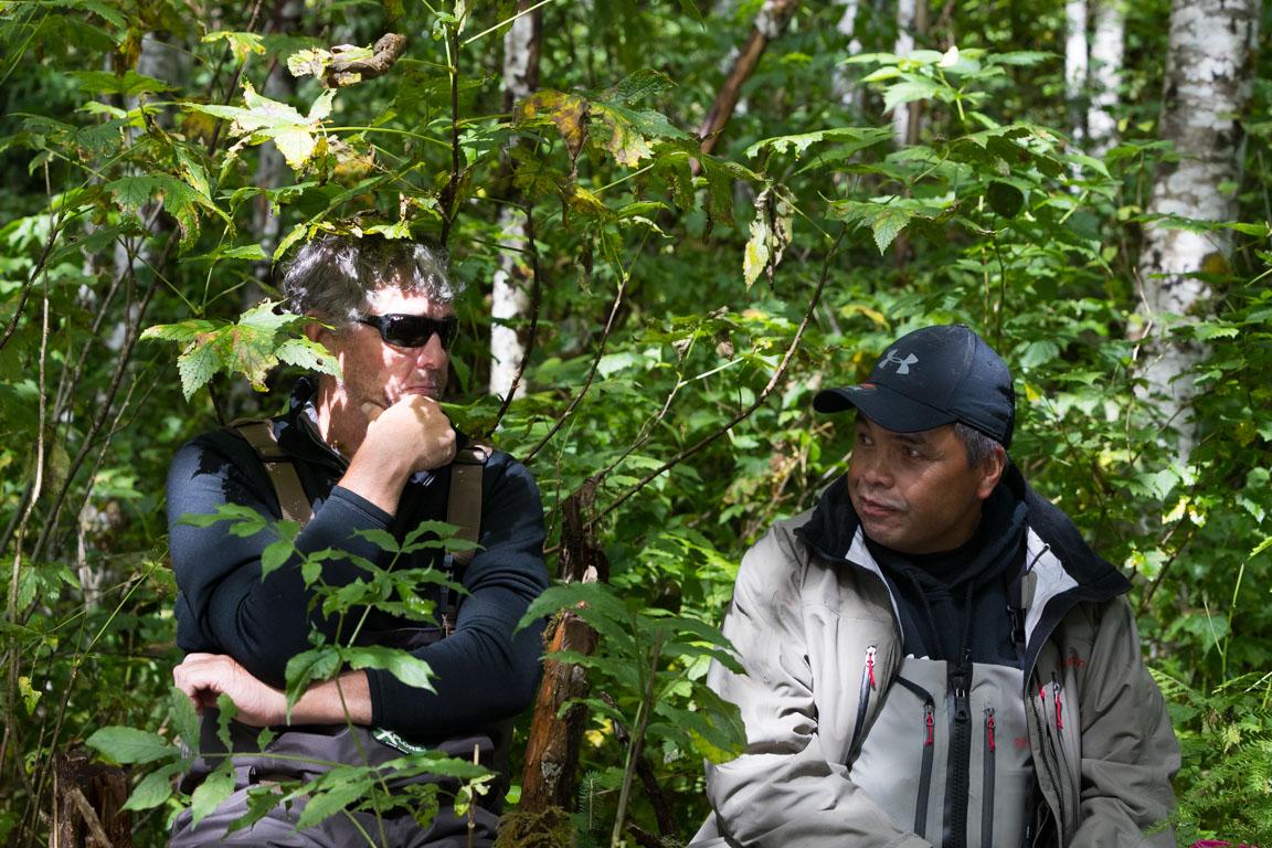 Byron och Marven i samtal om björnar