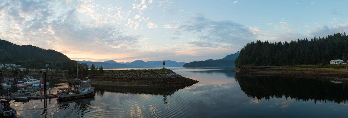 Panorama över viken vid Hartley Bay