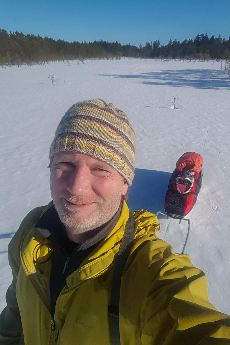 På skidor i vårsol