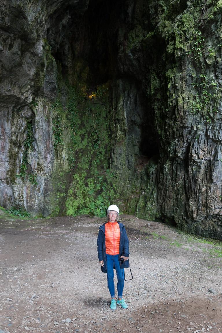 Gunsan inne i grottan
