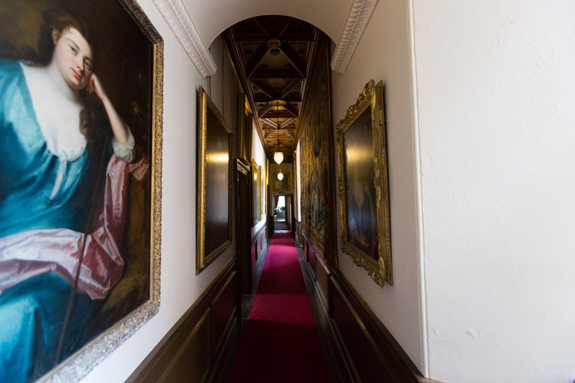 Hall med porträtt