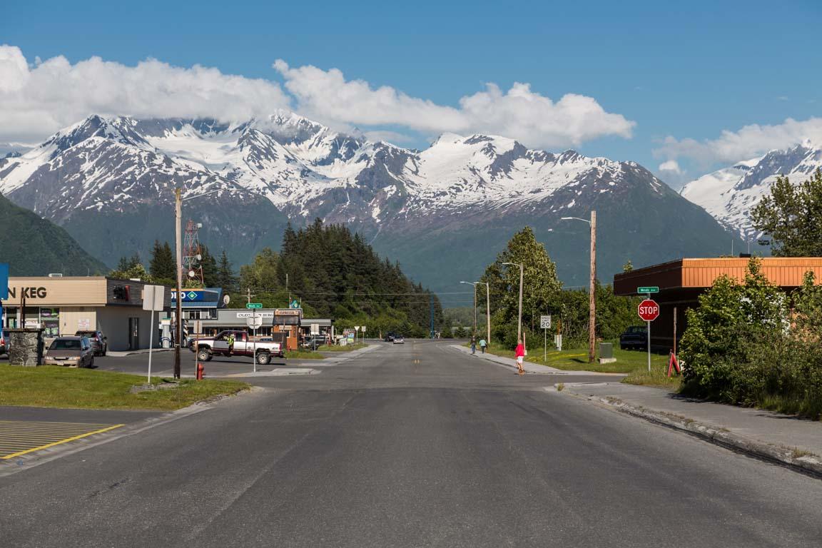 Vy från Valdez mot Chugach Mountins