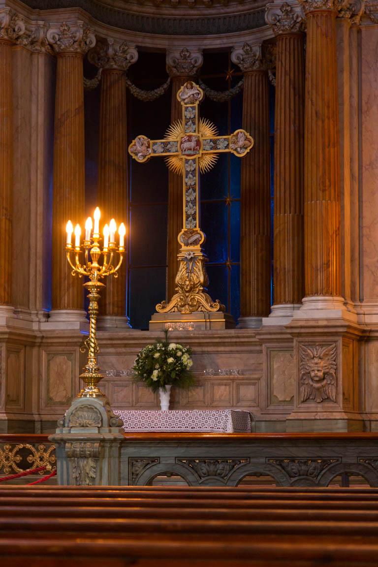 Kors i Fredriks kyrka/Marmorkyrkan