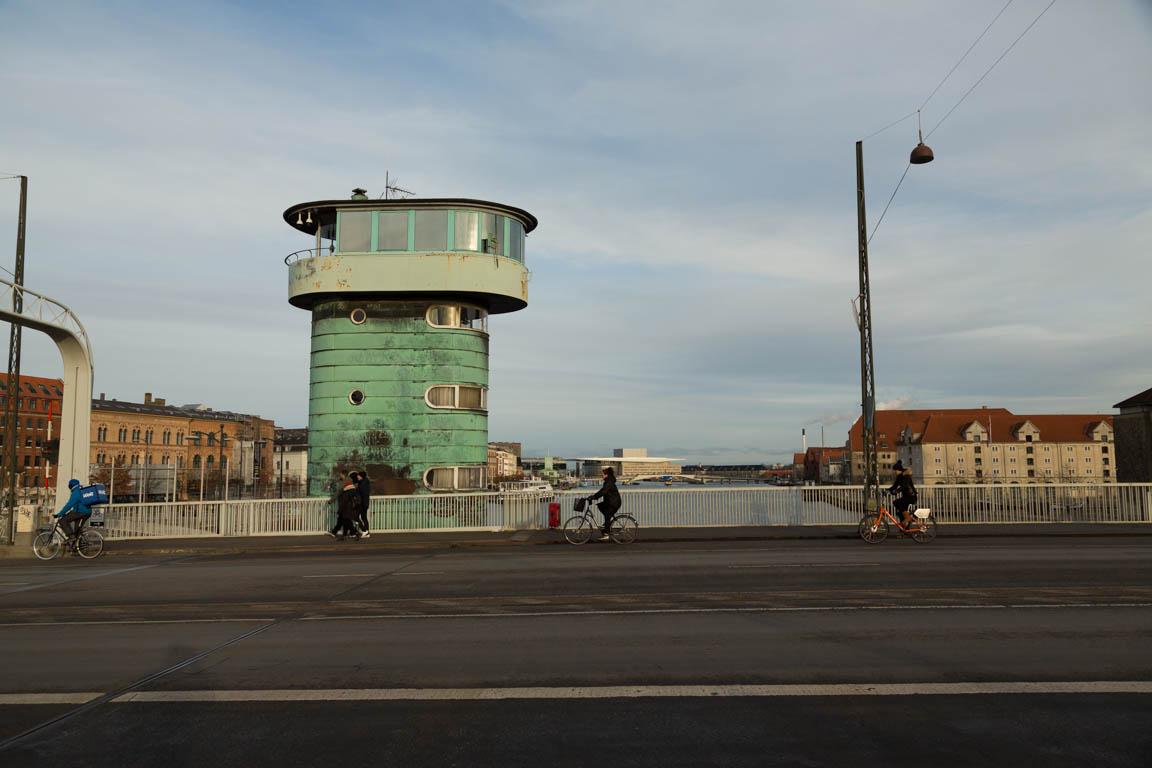 Gammalt manövertorn på Knippelsbro