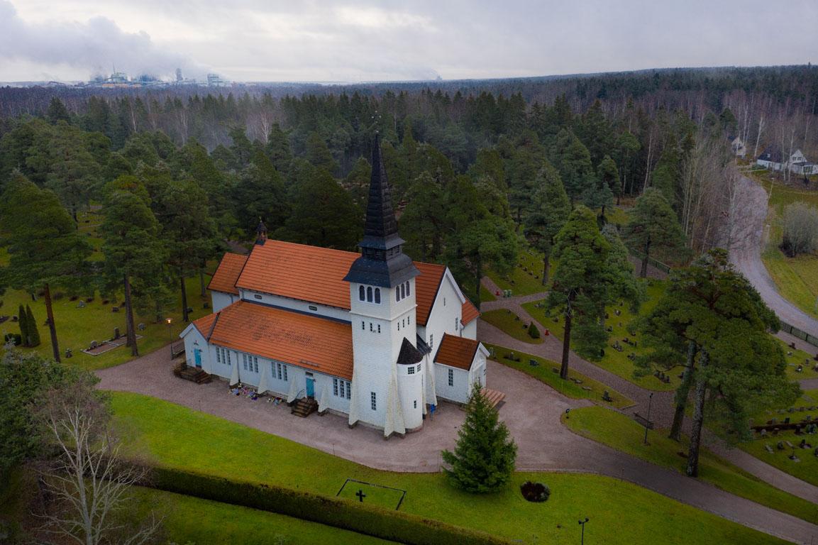 Bomus kyrka