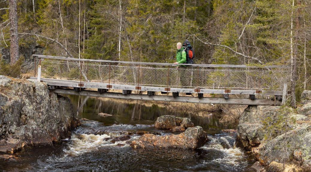 Bro över ån