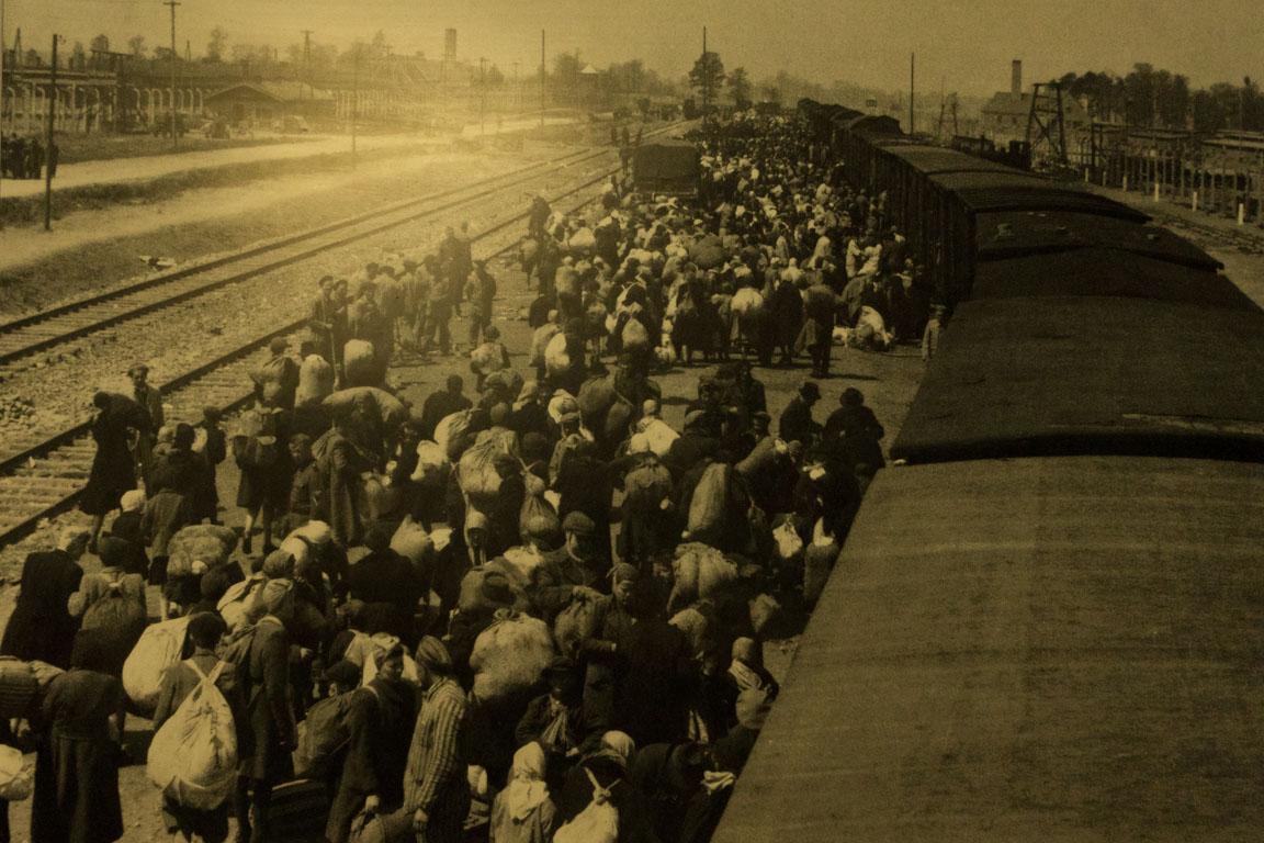Bild med judar som anlänt från Ungern